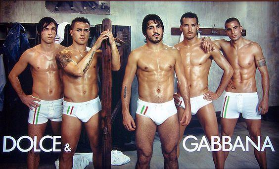 Ging voll in die Hose: die Kampagne von Dolce & Gabbana mit u.a. Pirlo, Cannavaro und Gattuso.